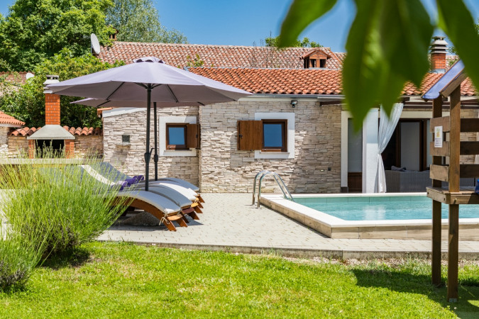 Cosy and private, Villa Benić - Holiday house in central Istria, Croatia Žminj