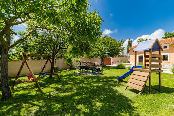 Perfect for families & kids, Villa Benić - Holiday house in central Istria, Croatia Žminj